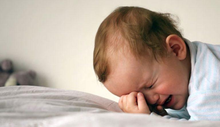 Почему ребенок плохо спит ночью видео комаровский