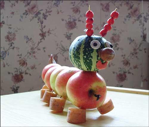 Осенние поделки из овощей и фруктов своими руками для детского фото 538