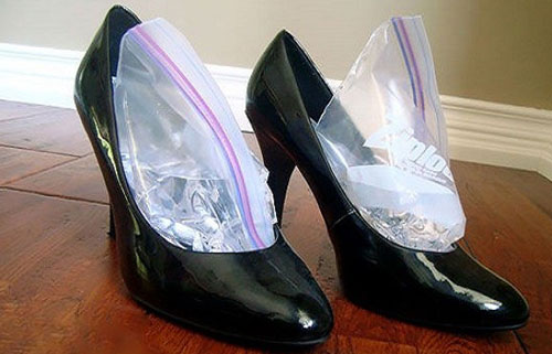 Как растянуть обувь в домашних условиях из натуральной и искусственной кожи: замшевую и лаковую
