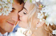 Советы как можно влюбить в себя бывшего или незнакомого парня, как понять его поведение?