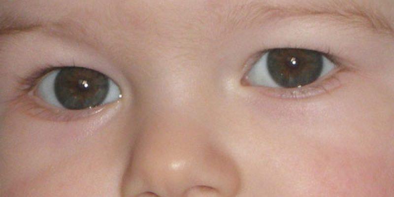 Меняется ли цвет глаз у новорожденных?