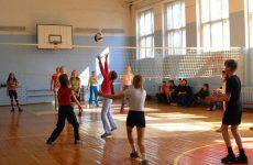Как играть в пионербол: краткие основные правила для школьников