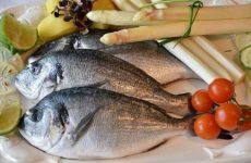 Список сортов нежирной морской рыбы для диеты: таблица с ценами