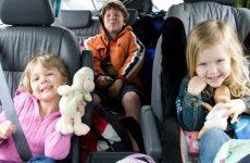 Чем занять ребенка в поезде, самолете и машине по годам