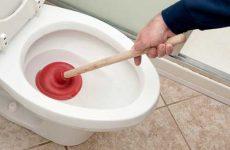 Забился унитаз: как прочистить самостоятельно в домашних условиях?