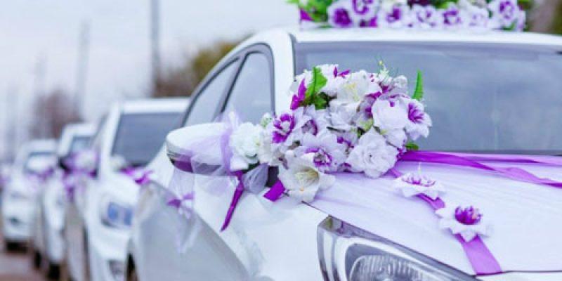 Как сделать стильные свадебные украшения своими руками на машину?