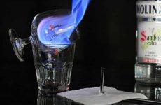Как пить самбуку в домашних условиях: популярные способы