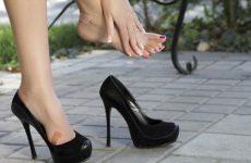 Как разносить туфли, которые жмут и натирают?
