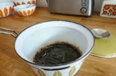 Как отмыть пригоревшую эмалированную кастрюлю?